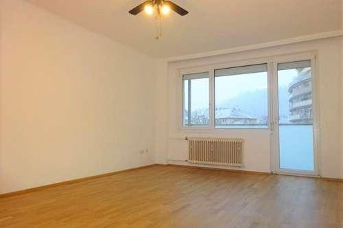 Wunderschöne Wohnung direkt bei der Karl-Franzens-Universität mit Balkon in Bestlage
