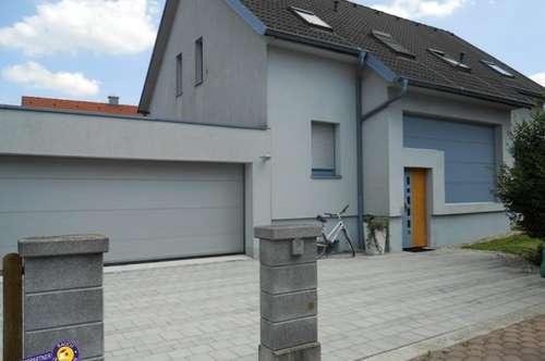 Wiener Neudorf, Einfamilienhaus mit Garten und Doppelgarage
