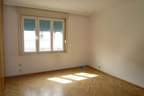Zentral gelegene 4-ZKB-Wohnung mit Garage in Spittal/Drau