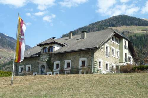 Idyllische gelegene Wohnung in historischem Gemäuer