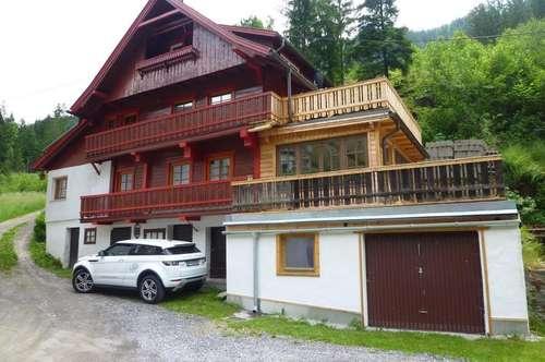 Landhaus, hochwertig saniert mit 3 Appartements