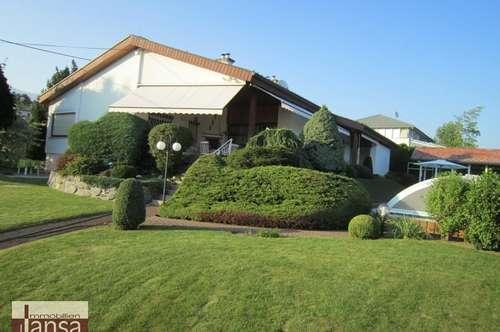 Eleganter Bungalow mit Pool und liebevoll gestaltetem Garten in Wernberg