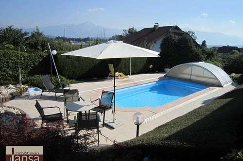 Bungalow mit Einliegerwohnung und Swimmingpool in Sonnenlage