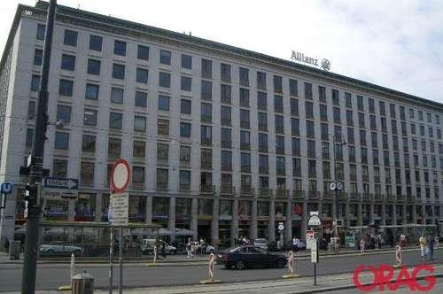 Gut sichtbare Geschäftsfläche im Opernringhof gegenüber der Oper zu mieten