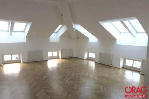 Nähe Votivkirche: Dachgeschoßmaisonettewohnung in stilvollem Jahrhundertwendehaus - Miete 1090 Wien