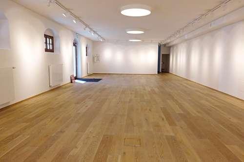 Repräsentatives Geschäftslokal / Büro / Showroom im Zentrum von Mondsee!