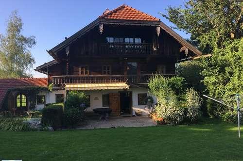 Entzückendes, wieder errichtetes Bauernhaus in absoluter Ruhelage Nähe Irrsee