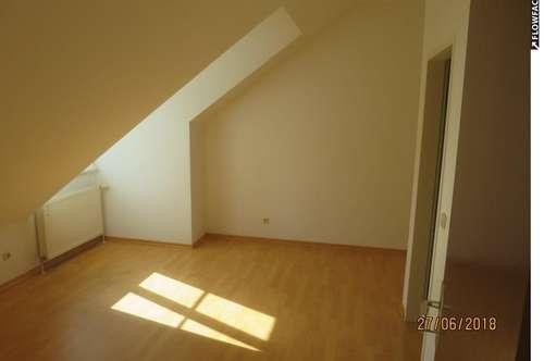 Günstige 2-Zimmer Dachgeschosswohnung in Gresten zu vermieten!
