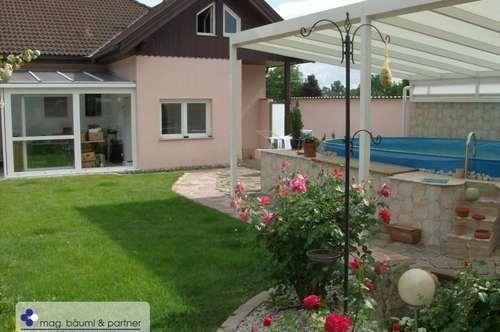 Entzückendes Einfamilienhaus mit kleinem Pool und Garten