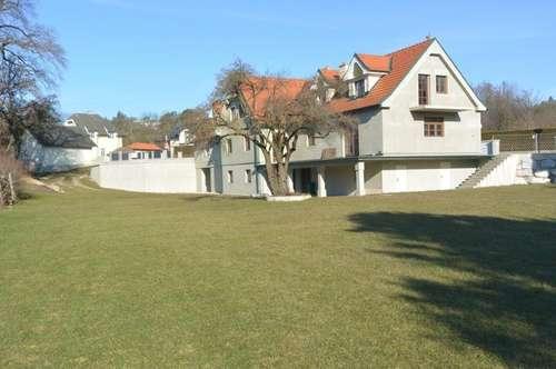 RESERVIERT # Wienerwald # 3 Zimmer Dachgeschoßwohnung inkl. Atelier und Garten in Breitenfurt
