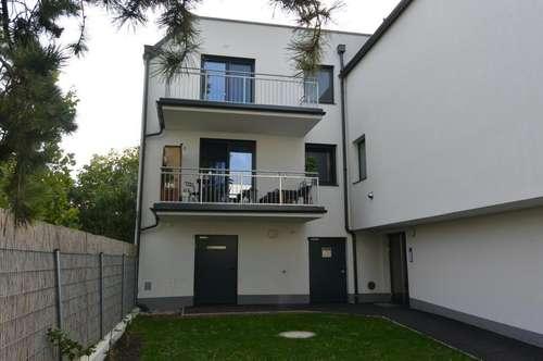 # GEMÜTLICHE Dachgeschosswohnung + Terrasse + 2 KFZ Abstellplätze in Möllersdorf!