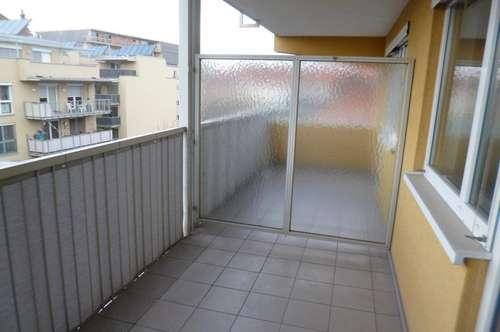 Reizende Garconniere mit Balkon - Nähe Bad zur Sonne