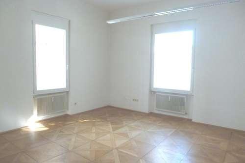 Helle & geräumige 3- Zimmerwohnung