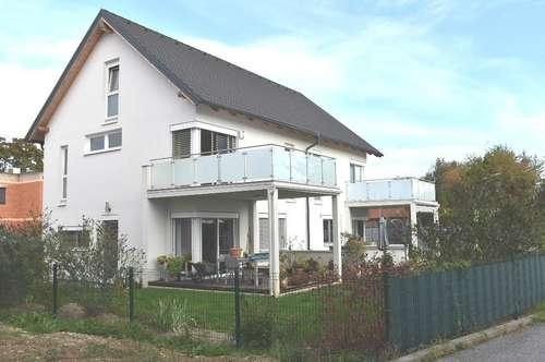 Zweifamilienhaus mit schönem Garten - Liebenau