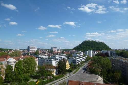 Sanierungsbedürftige, helle 3-Zimmer-Eigentumswohnung in Geidorf