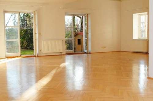 6 Zimmer Bürogebäude/Praxis in geschichtsträchtigem Gebäude nahe Wien