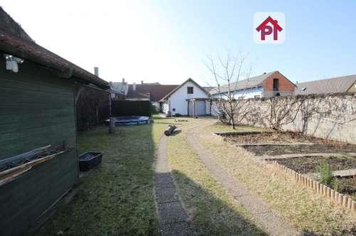 Podersdorf: gepflegtes Haus mit Pool und Weinkeller, Urlaubsdomizil - Anlageobjekt