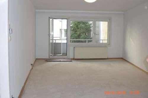 Zentrale Geräumige Zweizimmerwohnung mit Balkon
