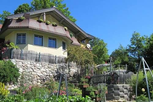 Großes Wohnhaus mit 3 Wohneinheiten geeignet für touristische Vermietung und/oder zum Selbstbewohnen