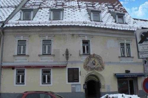 Mittendrin historisch Wohnen __Logieren am Hauptplatz  __Wohnung ideal für  Singles und Paare