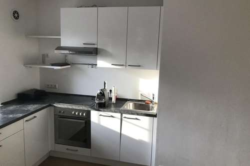 """neu renovierte Wohnung in zentraler Lage """"provisionsfrei"""""""