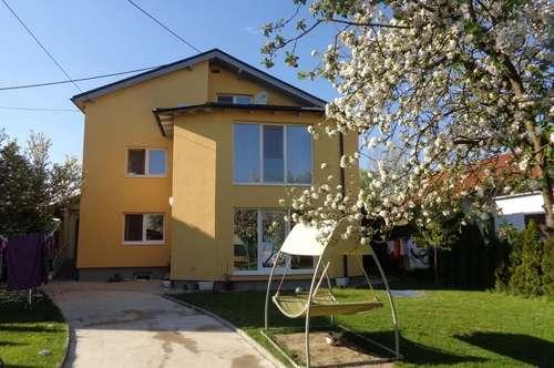 Wunderschönes 3-Familienhaus mit großem Garten in RUHELAGE zu verkaufen!  NEUER PREIS