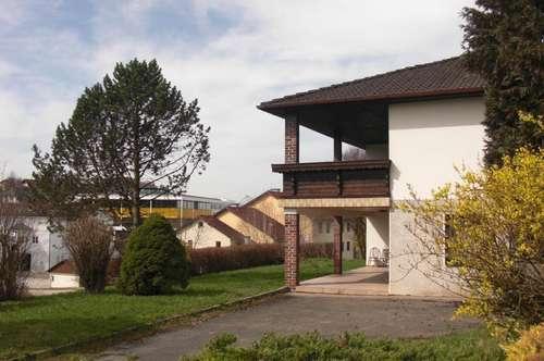 Schönes Haus mit viel Potential sehr zentral gelegen!