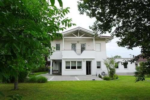 Großes Haus mit guter Infrastruktur Pichling -sofort verfügbar
