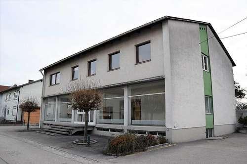 Großes Wohn- und Geschäftshaus in Langholzfeld