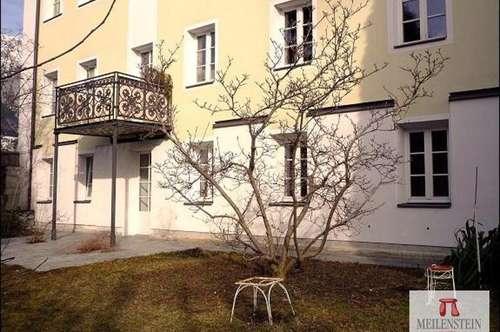 Wohnen mit Stil - 2,5 Zimmer- EG - Whg. in Villa