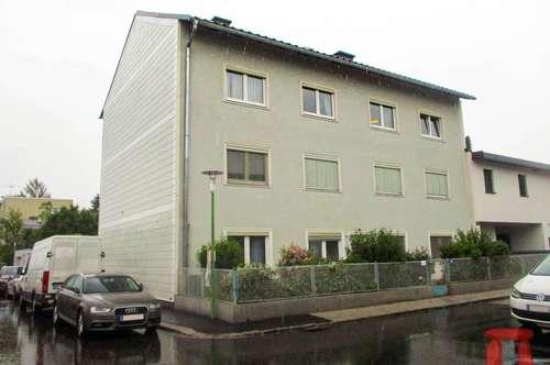 Ansprechende Wohnung in ruhigem 8 Parteienhaus