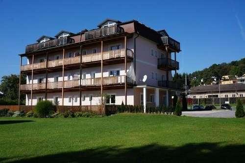 VERMIETET TOP 3 - Kleine Garten - Single Wohnung nicht weit vom Wörthersee entfernt.