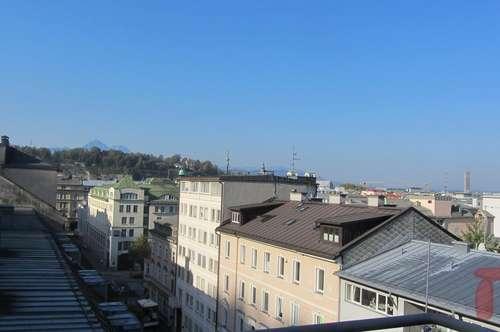 Schicke 4-Zimmer Maisonettewohnung + Balkon in Salzburg/Nähe Mirabell!