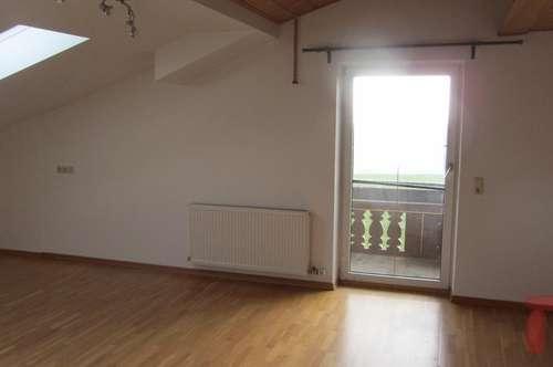 4-Zimmer Dachgeschoss-Wohnung ca. 90 m2 in Schleedorf mit Panoramablick in die Berglandschaft!