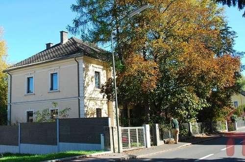 Zentrumsnahe Villa mit großzügigem Garten
