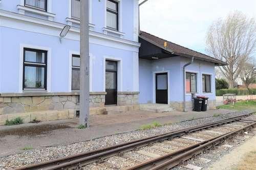 Großes WOHNLOFT für Eisenbahnliebhaber!