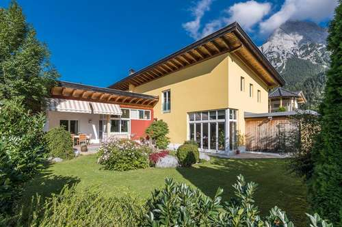 Gepflegtes Einfamilienhaus mit Garten & Sauna