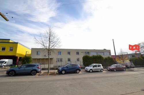 Multifunktionale Betriebsliegenschaft mit Lagerhalle, Werkstatt und Bürotrakt in Oberlaa