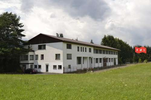 Wohnhaus mit angeschlossenem Betriebsobjekt