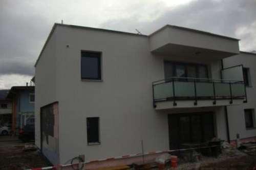 Erstbezug: Doppelhaushälfte auf 120 m2 mit Garage und AAP
