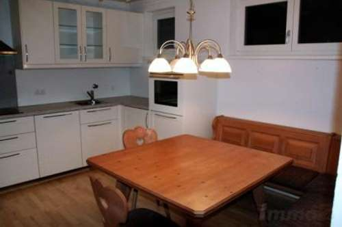 große 2 Zimmerwohnung mit Balkon und Lift, inkl. Tiefgarage um € 790.--
