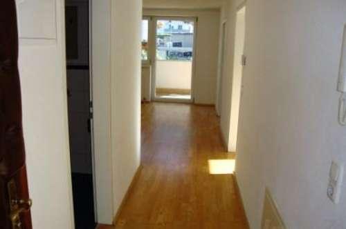Zirl: kleine 3 Zimmerwohnung mit Balkon und Parkplatz um € 810.--