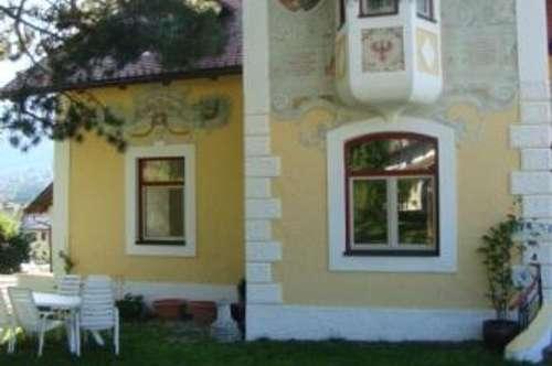 125m2 Altbauwohnung in einer renovierten Villa um € 1090.--