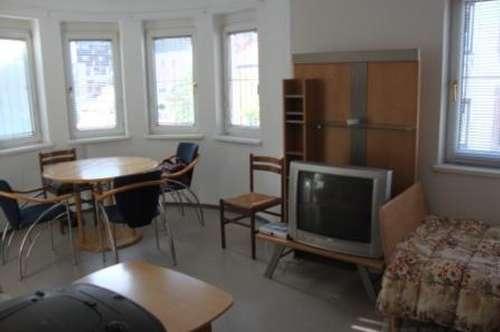 zentrale Kleinwohnung voll möbliert um € 510.--