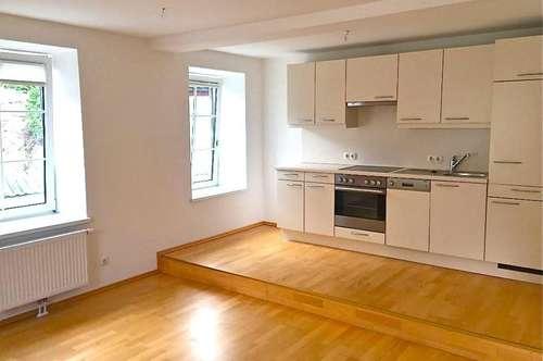 € 430 pro Zimmer: WG taugliche 3-Zi-Wohnung im Stadtzentrum
