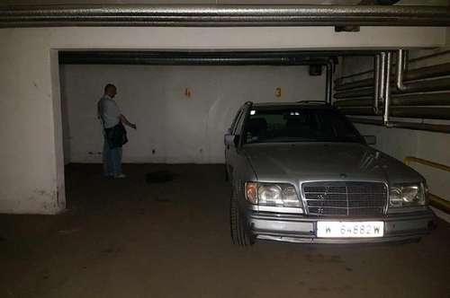 Zentraler Garagenplatz zu vermieten!