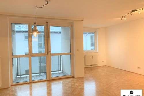 Schöne 2 Zimmer Wohnung - inkl. Tiefgaragenplatz und Balkon - ab sofort!