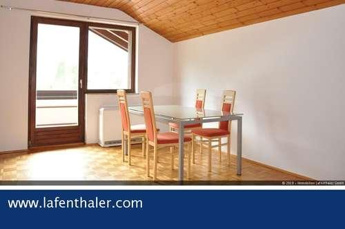 Helle 3- Zimmer DACHGESCHOSSWOHNUNG mit Süd- Balkon und Dachfenster in ruhiger Wohngegend oberhalb von Bad Gastein