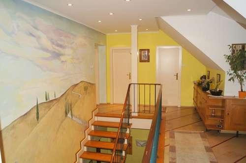 Großzügige Villa in zentrumsnaher Lage
