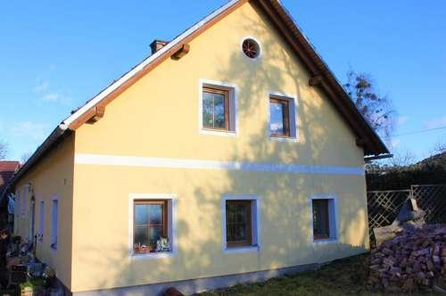 Großzügiges Landhaus samt Stallung und Äcker
